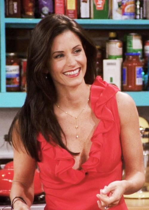 Monica - red dress