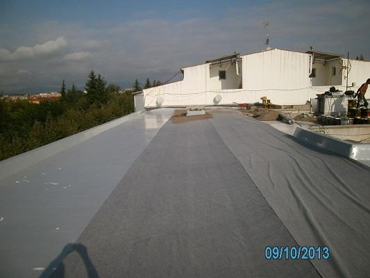 impermeabilització terrat membrana líquida poliuretà acabat amb grava