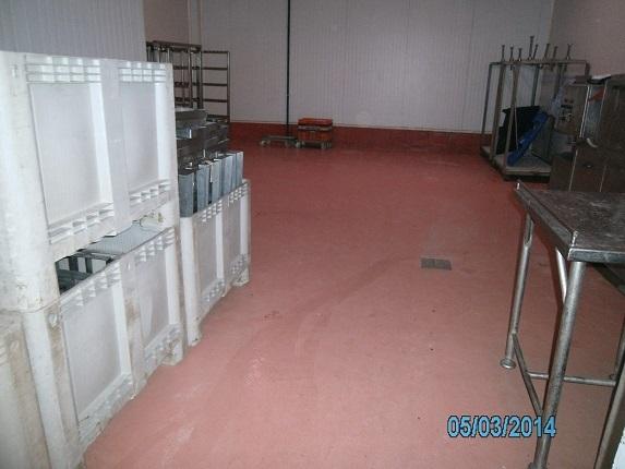 pavimento continuo multi capa industria alimentaria con desague