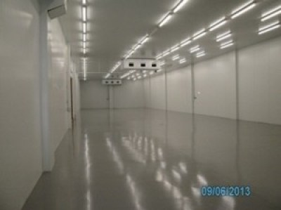 pavimento auto nivelante cámara frigorifica barcelona