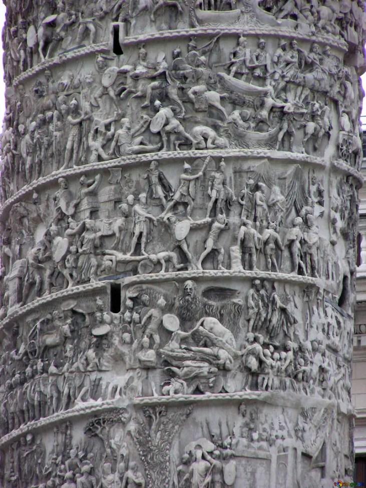 Detalle de la Columna de Marco Aurelio, la cual relata sus batallas y logros. La misma contiene varias escenas de las batallas en Partia