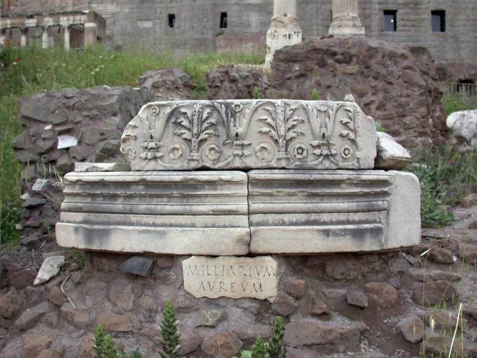 El hito de oro, la milla cero que marcaba el inicio de la red de caminos romana.