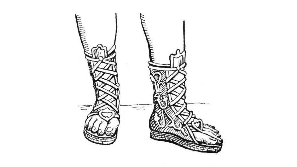 Sandalias romanas del tipo conturnos, similares a un híbrido entre las botas y las sandalias clásicas.