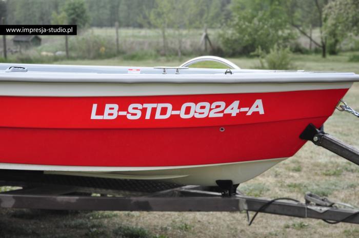 Oklejona łódka (rejestracja)