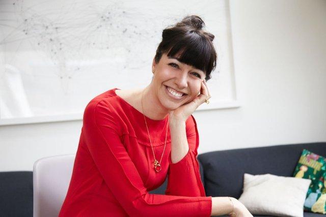 Nina Skarabela Gründerin OZN Vegan Nagellack