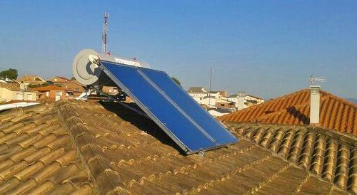 instalacion-placa-solar-termica-en-tejado