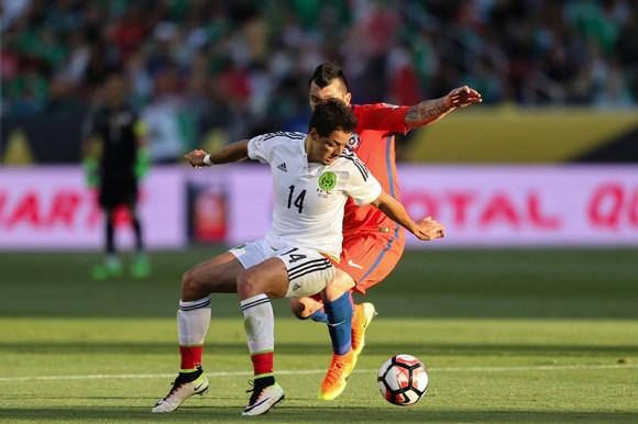 Santa Clara, CA - Saturday June 18, 2016: Javier Hernandez ìChicharitoî during a Copa America Centenario quarterfinal match between Mexico (MEX) and Chile (CHI) at Leviís Stadium.