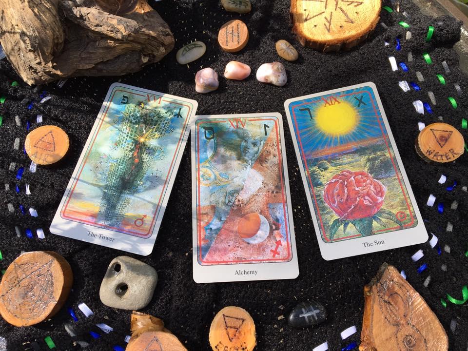Dark Moon Tarot Reading: Transformation - Stepping Aside