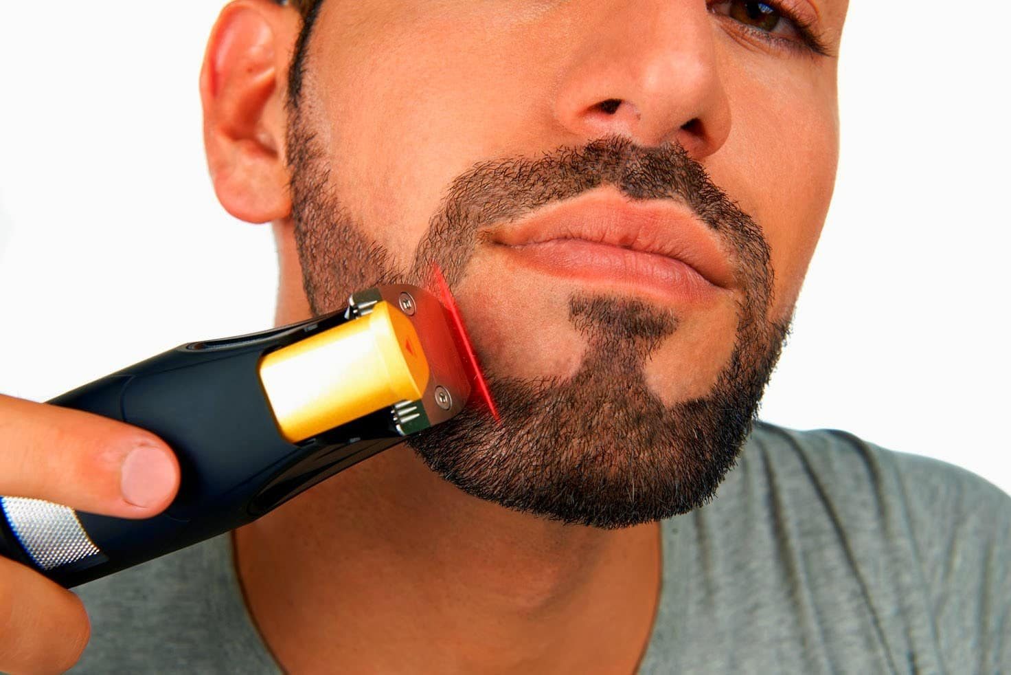Top 10 Best Beard Trimmers for Men in India 2017