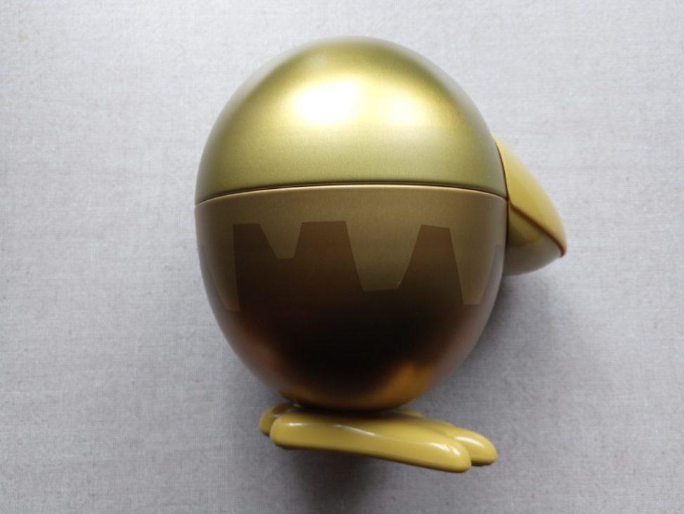金のカンヅメ右側面を撮影