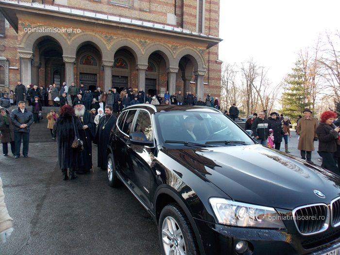 boboteaza2015-27-mașina mitropolitului Banatului