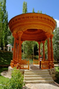 Wood carved Pavillon