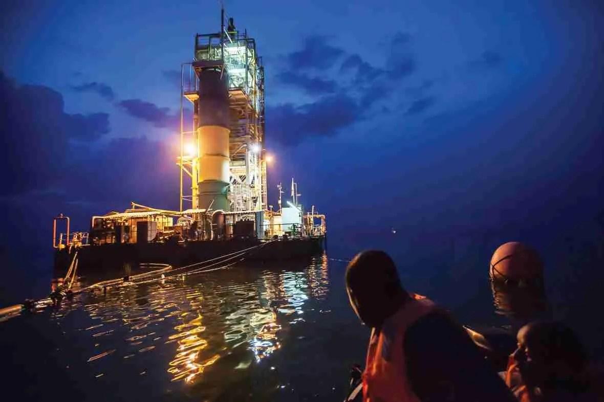 Impianti raccolta gas naturali mortali dal Lago Kivu