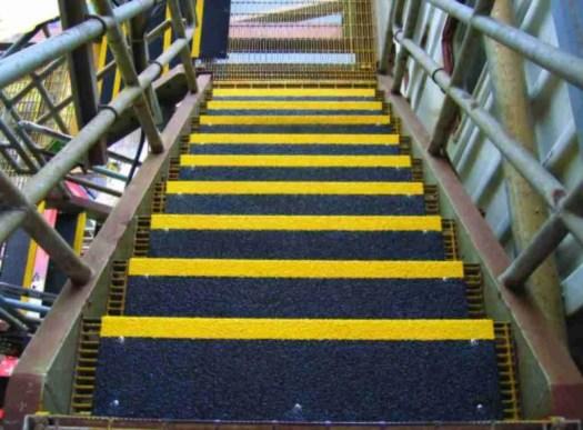 antiscivolo pioli scale - gradini scala a giorno