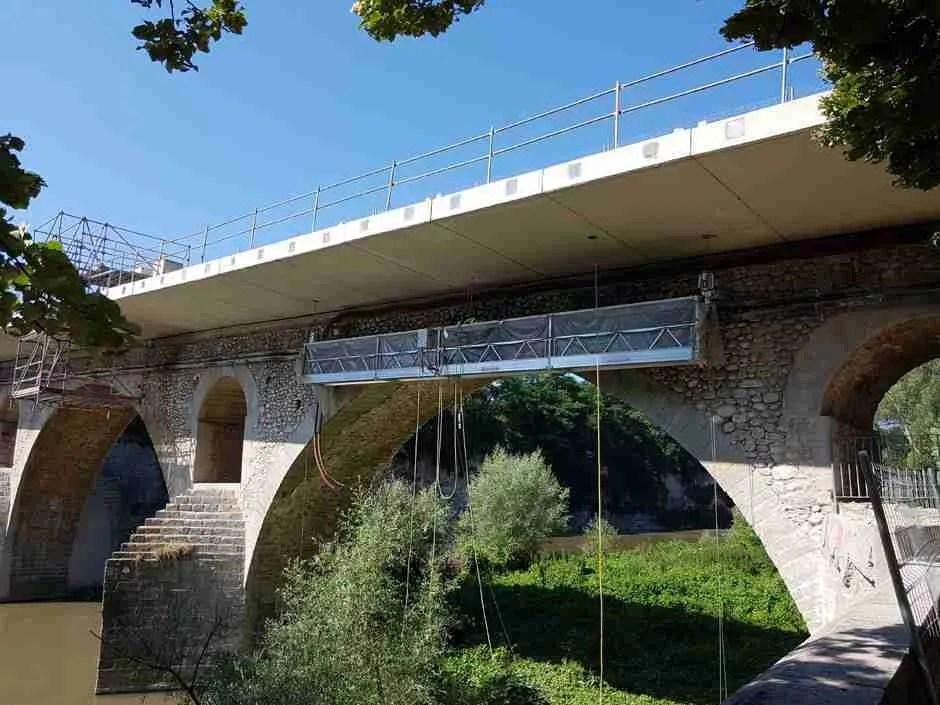 Ispezione ponti - verifica con piattaforma parallela al ponte