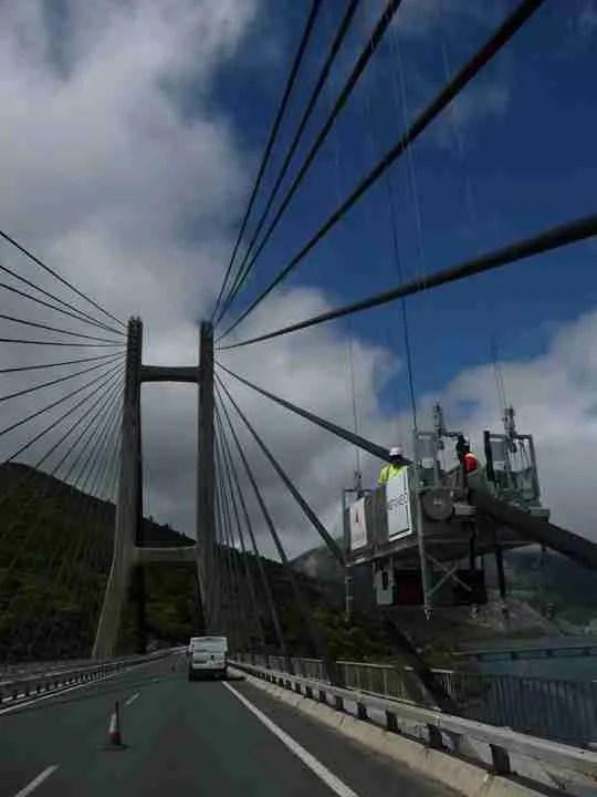 accesso a ponti sfruttando gli stralli