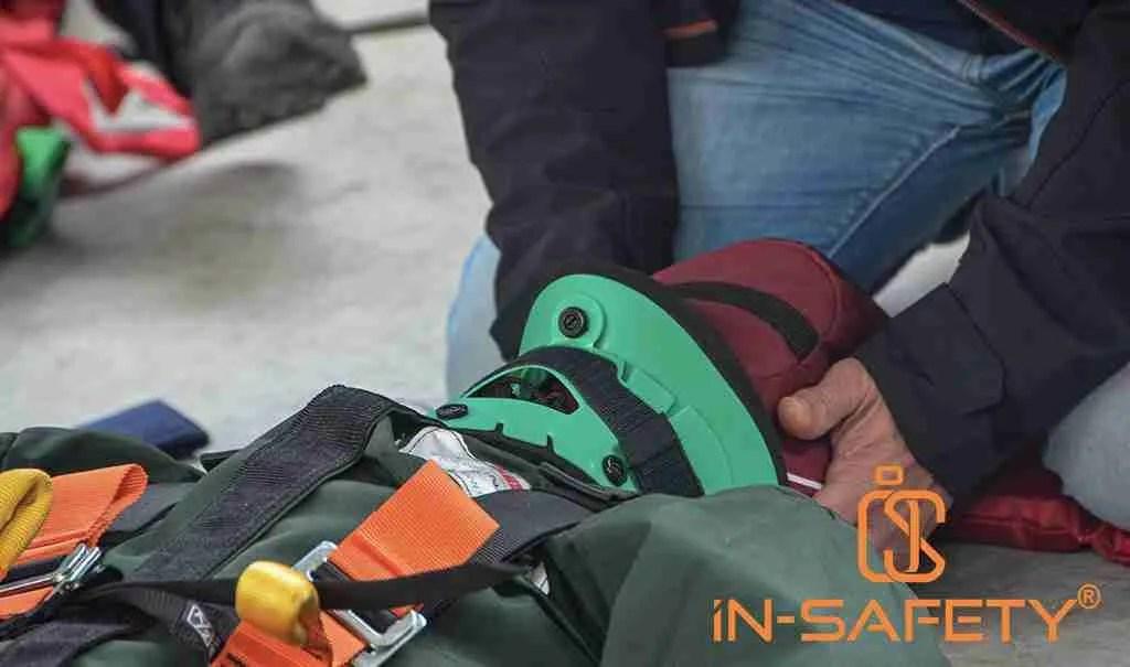 la manovra di tenuta della testa eseguita dal primo soccorritore che entra in una procedura Entry Rescue