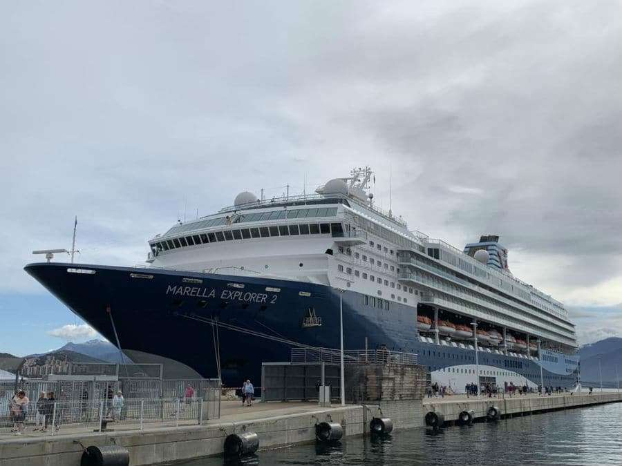 when to book a cruise holiday