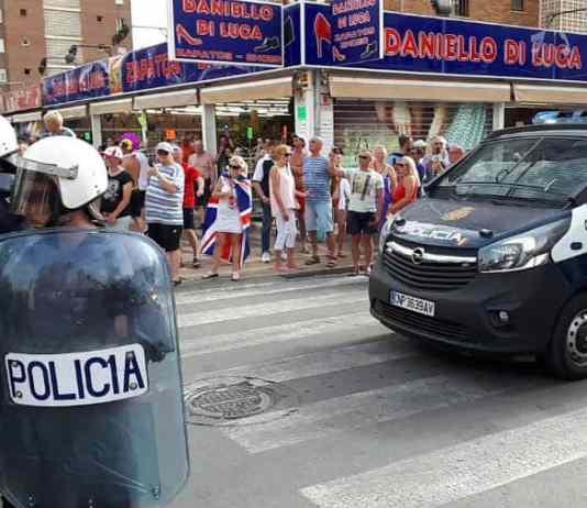 benidorm police raid pub