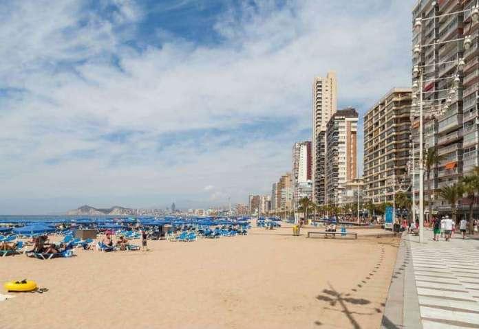 places to visit in Benidorm levante beach