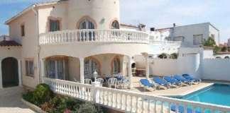 vacation villas in spain