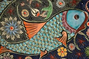 Glasir Membuat Warna Keramik Indah dan Alami