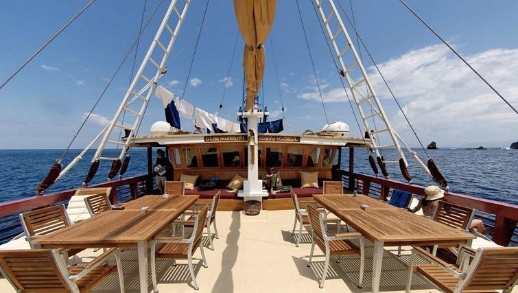 Seven Seas liveaboard cruise diving boat Labuhan Bajo