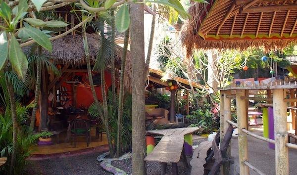 Topi-Inn-budget-accomodation-padang-bai