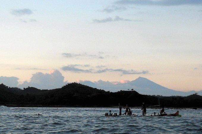 Boat-at-dusk-Gerupuk-DonDon