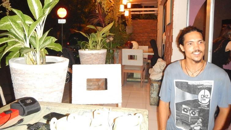 Owner restaurant & café Annapurna