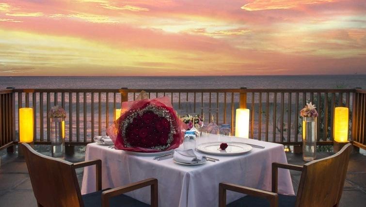 romantic dinners in bali