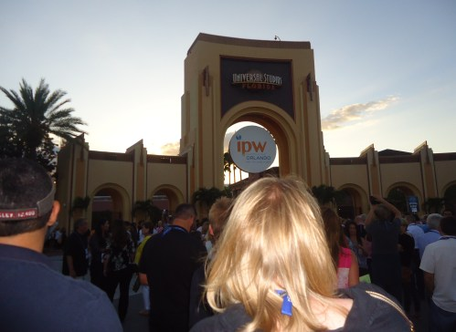 Thousands of ipw delegates streamed into Universal Studios Orlando as the sun set on both the day and ipw itself in order to celebrate the event and the night.
