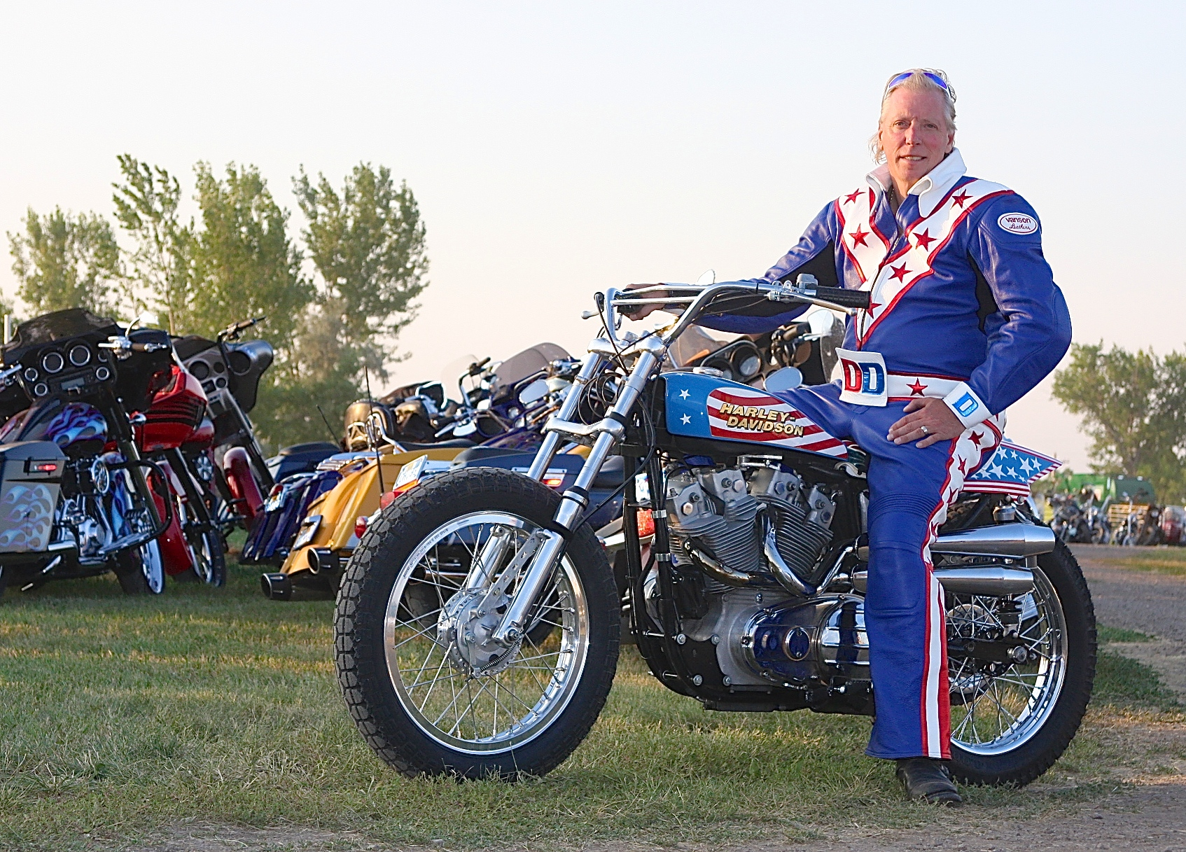 Evel Knievel S Harley Davidson Xl1000 Up For Auction: COMPLETE ISSUE July 30, 2015