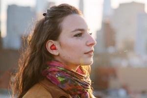 Pilot ear device