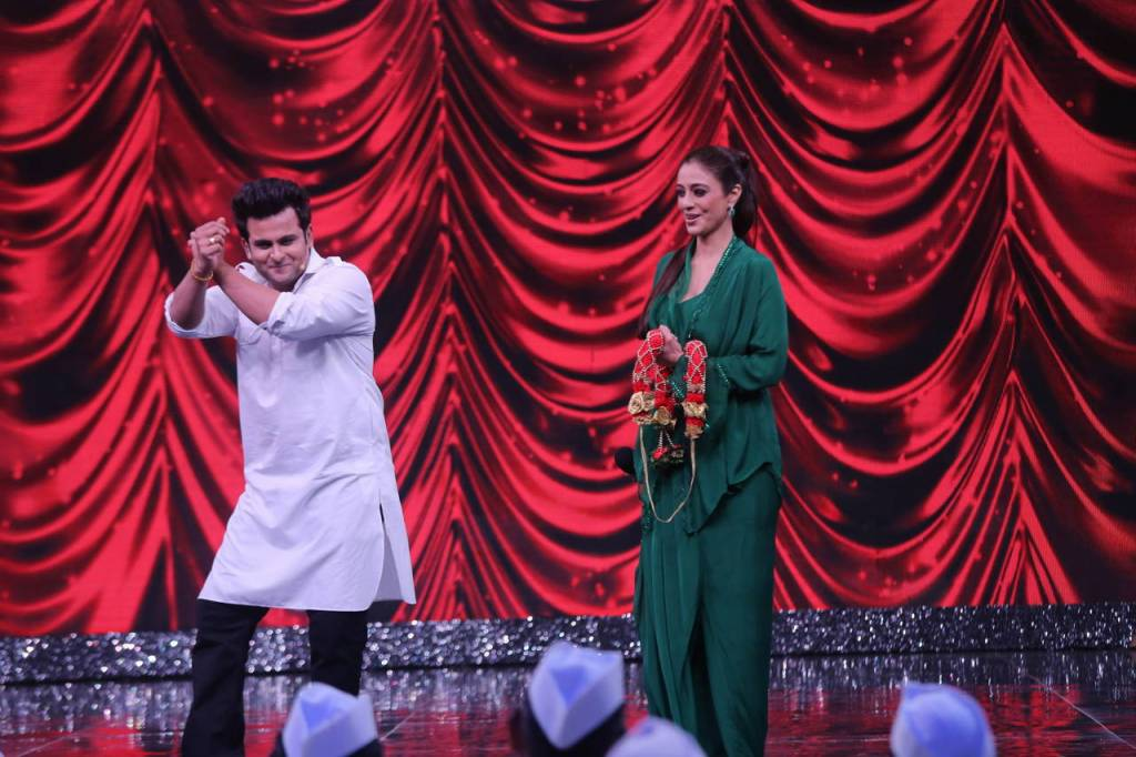 Dr Sanket Bhosale made Tabu Laugh Out loud as he mimicked Sanjay Dutt on Zee Comedy Show
