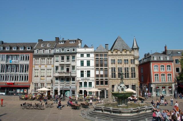 marktplein Aken terras