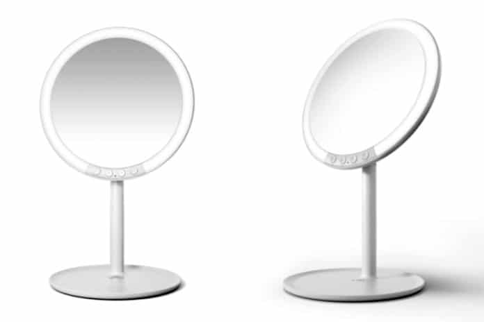 The most thoughtful makeup mirror ever, Cosmirror
