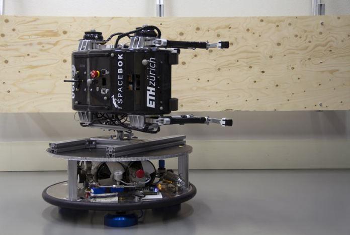 Robot mounted sideways/ Image: ETH Zurich/ZHAW Zurich