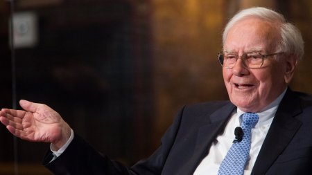 Warren Buffett Says This Popular Career Advice Is Wrong And Makes No Sense.  It's Like 'Saving Up Sex For Your Old Age.' | Inc.com