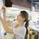 Small Businesses AreOffering ExtraBenefits to Attract Seasonal Workers