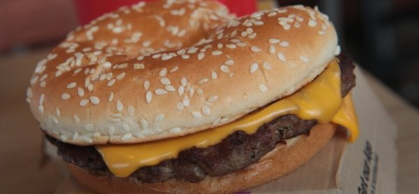 I Tried the New Fresh Beef Quarter Pounder From McDonald's ...