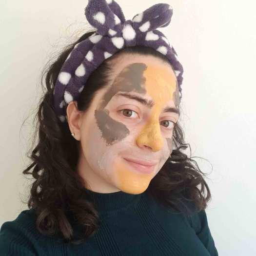 Debora Rossi con un multimasking