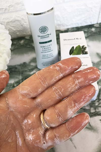 Crema sapone Domus Olea Toscana emulsionata con acqua