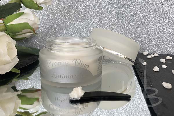 Consistenza della crema viso antimacchie AmaTè