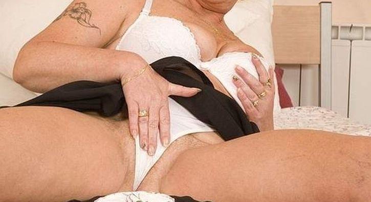 Donna matura fa incontri sessuali ad Ancona