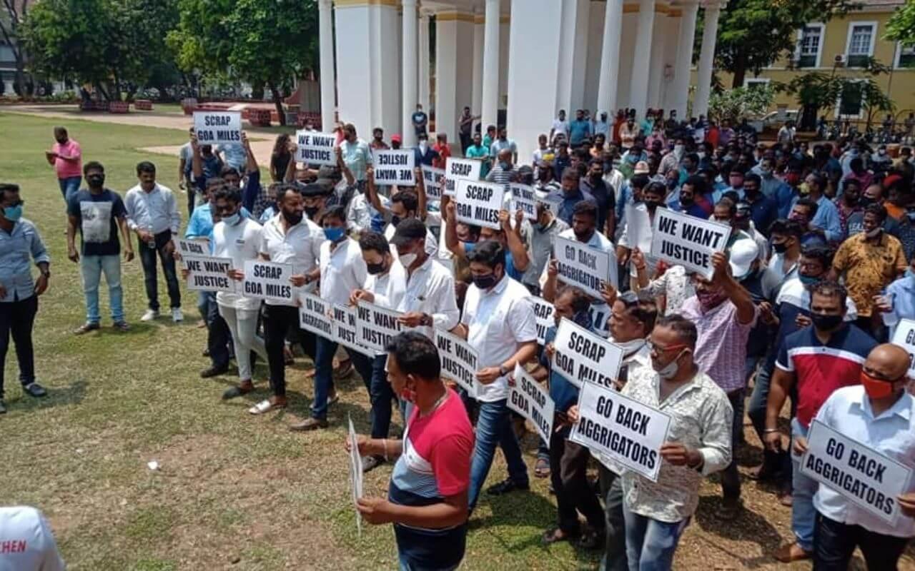 Goa Taxi Operators Protesting at Azad Maidan