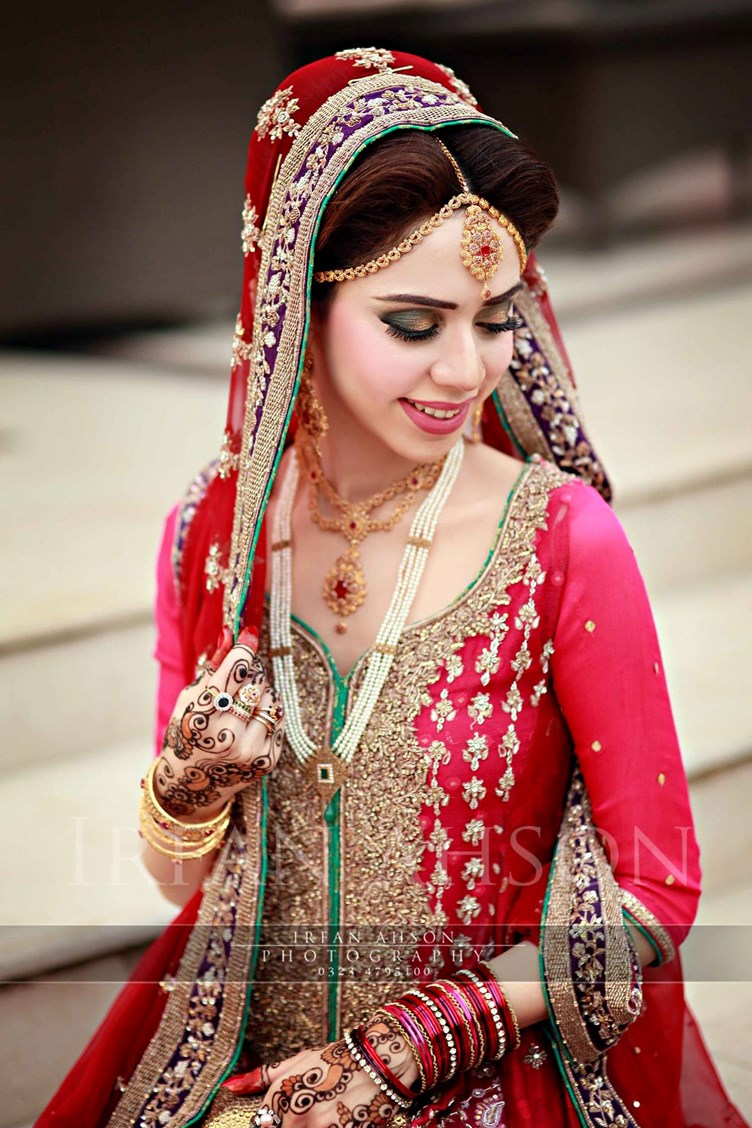 Inspirational Red Pakistani Bridal Outfit Photography By