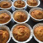 Muffin salati con fontina e prosciutto