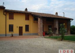 Casale rustico in via Gerre Borghi - Cremona