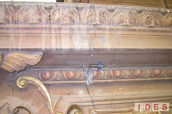 Monitoraggio quadro fessurativo chiese